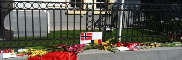 Militantii PES au comemorat astazi in fata Ambasadei Norvegiei victimele atentatelor din 22 iulie