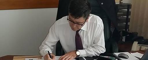 """Președintele Consiliului Județean Argeș Florin Grigore Tecău semnează petiția """"România cere Schengen"""""""