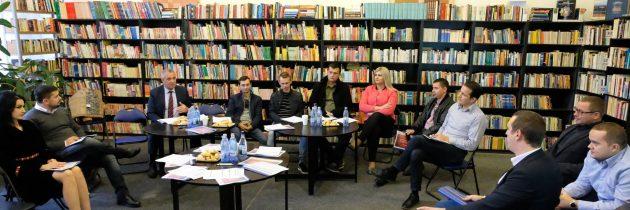 """Dezbatere interactivă cu tema """"Noi și UE la PES activists Botoșani"""